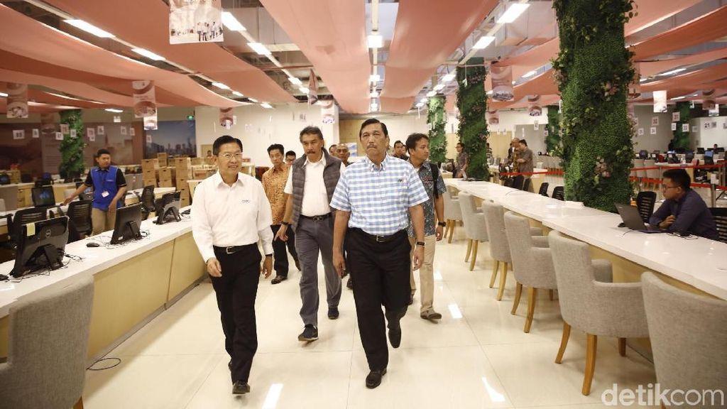 Diminta Jokowi, Luhut Bakal Rancang Jawa untuk Puluhan Tahun ke Depan