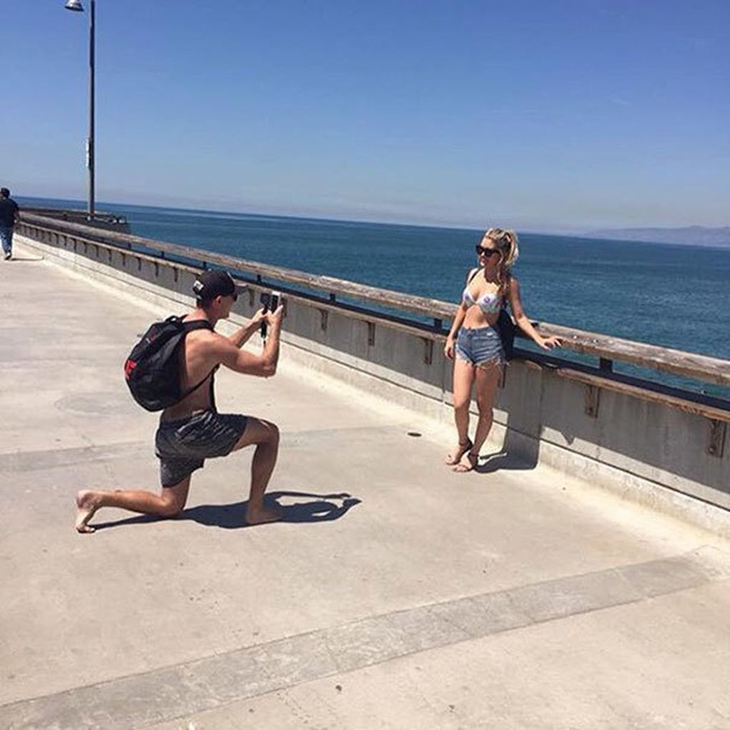 Siap jadi tukang foto di pinggir pantai. (Foto: lifebuzz)
