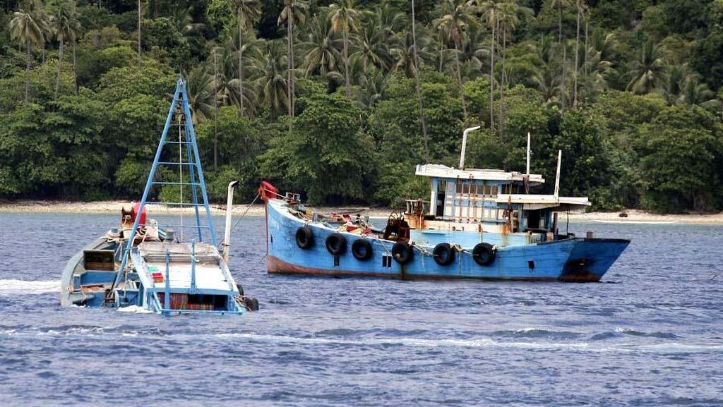 Susi Akui Laut RI Belum Bersih Dari Kapal Pencuri Ikan