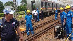 Ada Perbaikan di Lokasi Gerbong Anjlok, KRL Belum Bisa Melintas