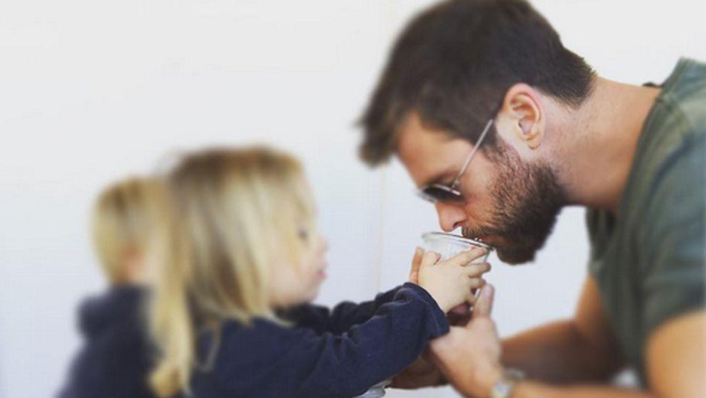 Curhat Chris Hemsworth Saat Putranya Tahu Tempat Cokelat Disembunyikan