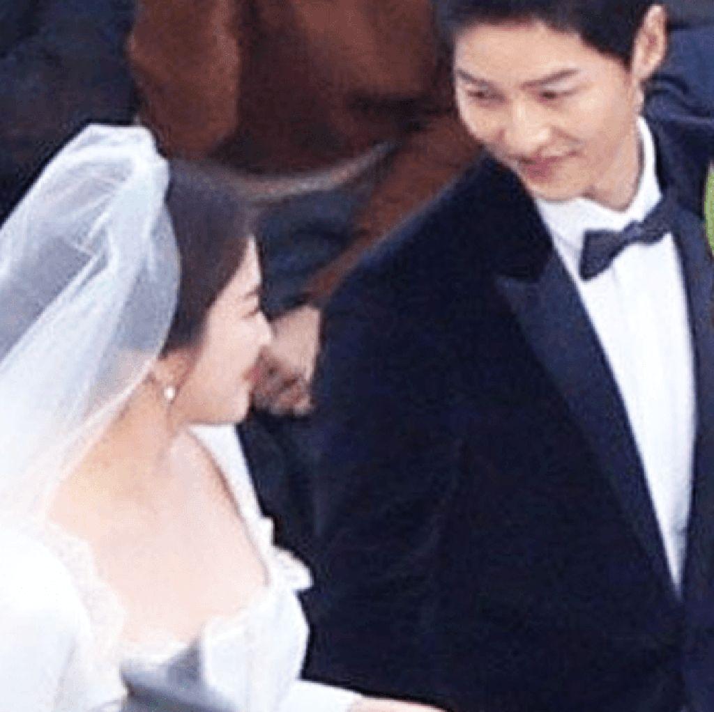 Sah! Song Joong Ki dan Song Hye Kyo Resmi Jadi Suami-Istri