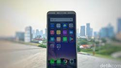 Menggenggam Oppo F5, Jagoan Selfie Berlayar Penuh