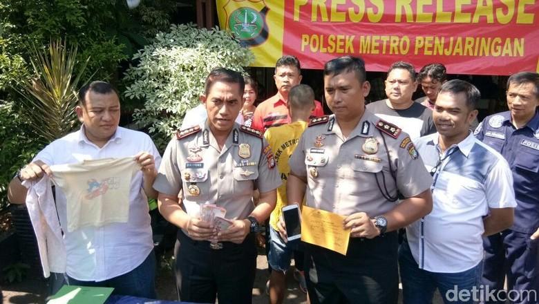 Culik dan Jual Anak di - Jakarta Samsul ditangkap aparat Polres Jakarta Pria pengangguran ini menculik dan menjual anak di bawah umur berinisial RS