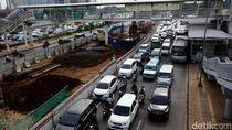 Potret Langganan Macet Akibat Proyek LRT
