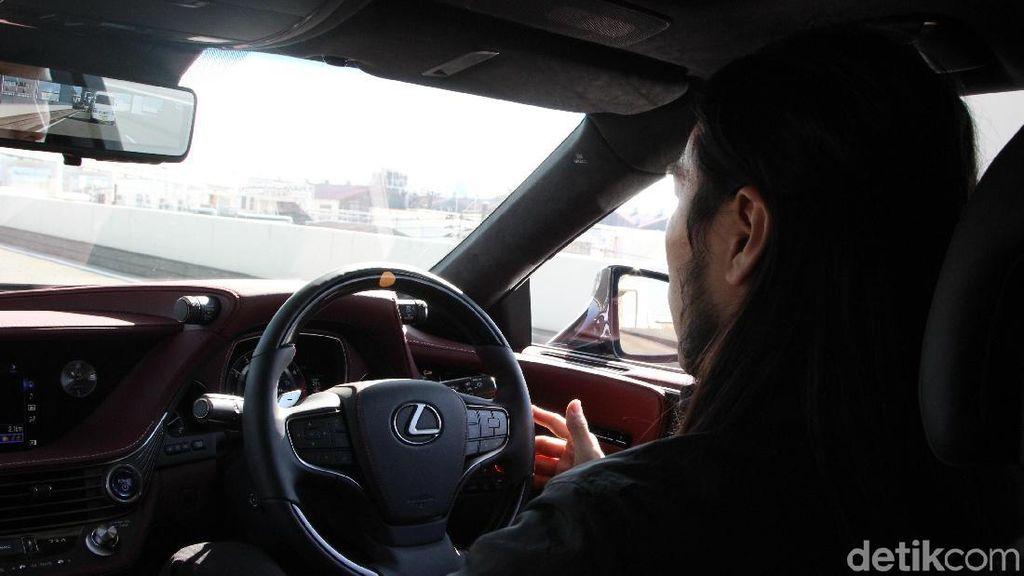 Orang-orang Masih Ingin Nyetir Mobil Otonom