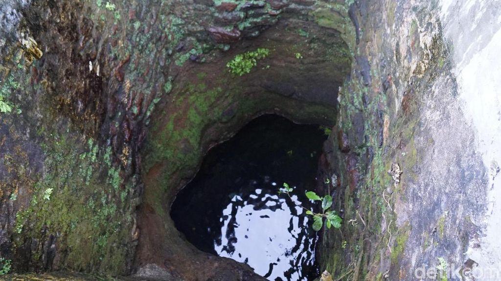 Mitos Air Sumur di Maluku yang Bikin Awet Muda