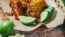 Awang Kitchen: Mencicip Ayam Kremes dan Bakso Rasa New York Buatan Awang