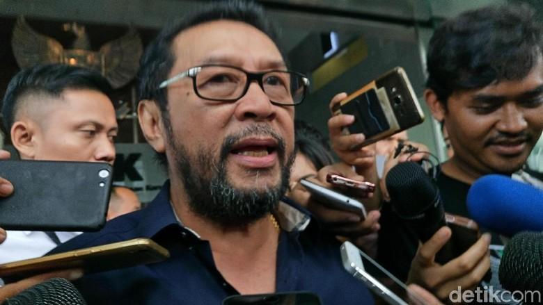 Aziz Ditunjuk Jadi Ketua Terkesan - Jakarta Politikus Golkar Yorrys Raweyai keberatan dengan penunjukan Aziz Syamsudin sebagai Ketua DPR oleh Setya Yorrys menilai penunjukan