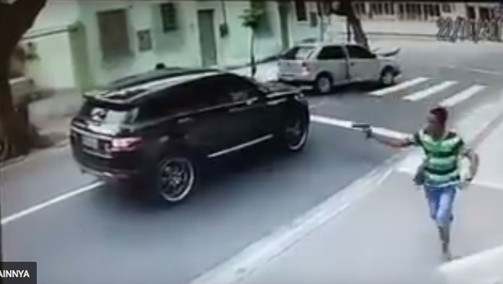 Mobil Kiper Brasil Dicuri Maling Bersenjata