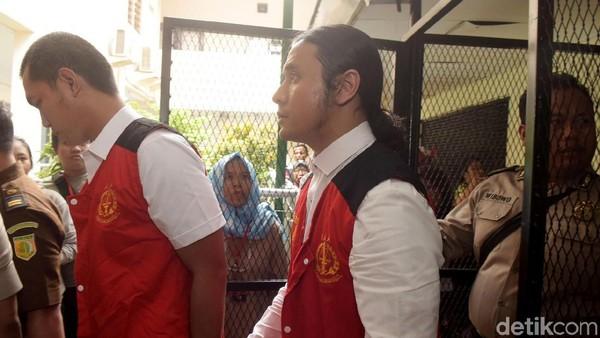 Ternyata Ello Ditangkap Polisi di Depan Sang Kekasih