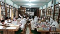 Pengusaha di Jepara Sulap Showroom Mebel Jadi Perpustakaan