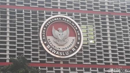 Bawaslu Minta Lembaga Survei Jujur Bila Jadi Tim Sukses