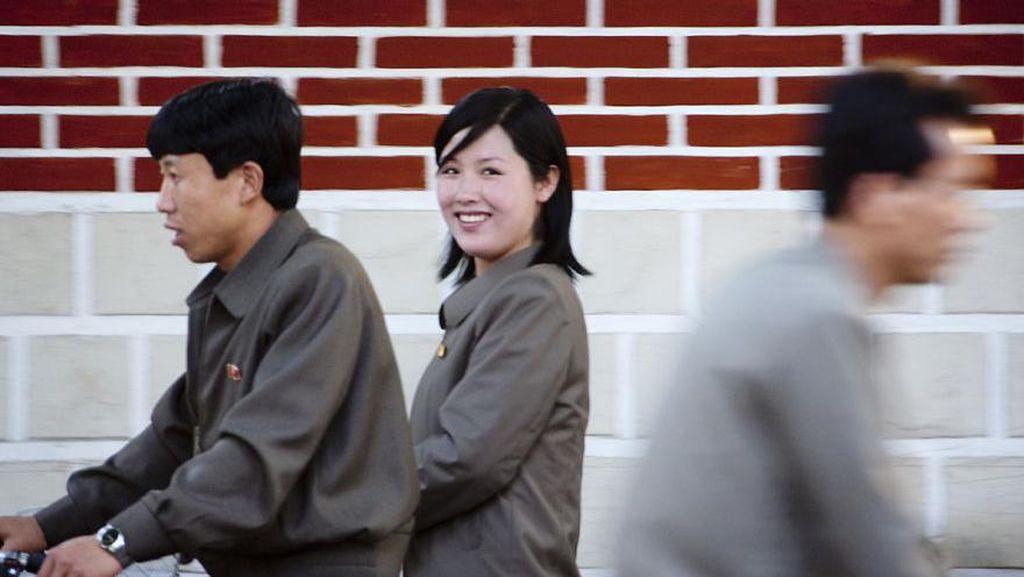Potret Humanis Rakyat Korut yang Ternyata Penuh Senyuman