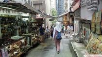 Foto: Pasar Barang Antik Berumur Ratusan Tahun di Hong Kong