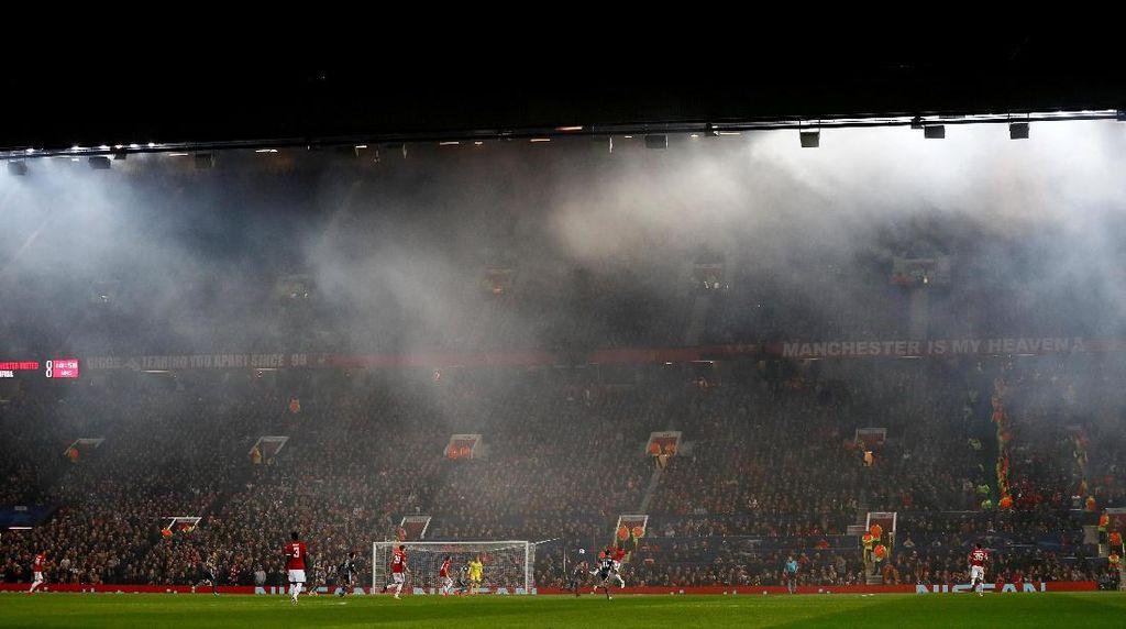Foto-foto Terbaik Liga Champions: Aguero Sang Legenda, Malam Suram Madrid