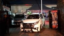 Polisi Geledah Imigrasi Tanjung Perak, Satu Orang Dibawa