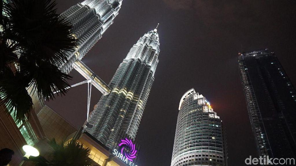 Foto: Seperti Suasana Monas Tapi di Kuala Lumpur