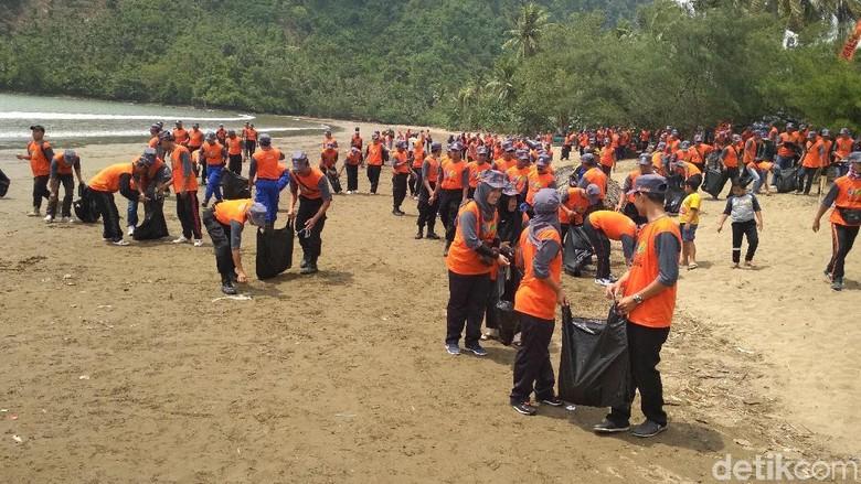 98 KM Pantai di Trenggalek Rawan Abrasi, BNPB Gelar Sekolah Laut