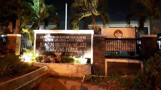 Polisi belum membeber kasus yang melibatkan Imigrasi Tanjung Perak ini