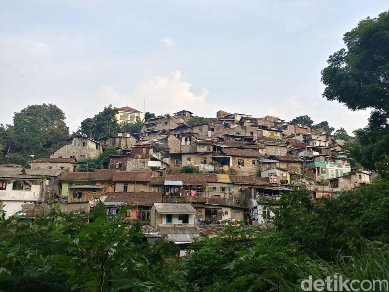Mimpi Kampung Manteos Jadi Gerbang - Bandung Keberadaan Kampung Manteos dapat menjadi alternatif tempat wisata bagi wisatawan yang akan berkunjung ke Kota Tempatnya yang