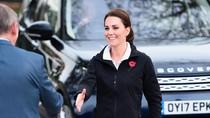 Foto: Pakai Sneakers Rp 2 Jutaan, Kate Middleton Tetap Modis saat Hamil