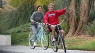 Beda dengan Justin Bieber, Selena Gomez Happy Pasca Putus