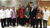 Pro-Kontra Revolusi Putih, Adik Prabowo Temui Menkes Bahas Ikan-Susu
