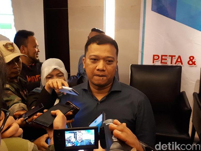Daniel Muttaqien Alasan Golkar Pilih - Bandung Golkar beberapa waktu lalu secara mengejutkan mendukung Ridwan Kamil sebagai Cagub Partai pimpinan Setya Novanto itu mengutus