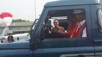 Usai Resmikan Tol Becakayu, Jokowi Naik Land Rover Defender County