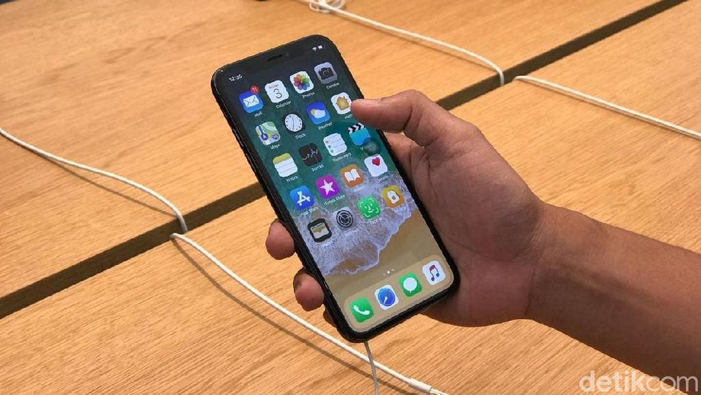 Apple Keruk Keuntungan Besar dari iPhone X