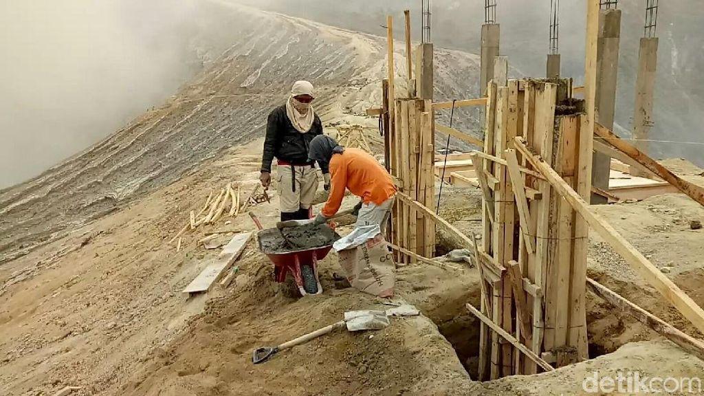 Puncak Ijen Tetap Dibangun, Ini yang Dilakukan Aktivis Lingkungan