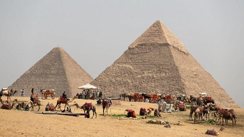 Ruang Kosong Sebesar Pesawat Ditemukan Dalam Piramid Agung Mesir