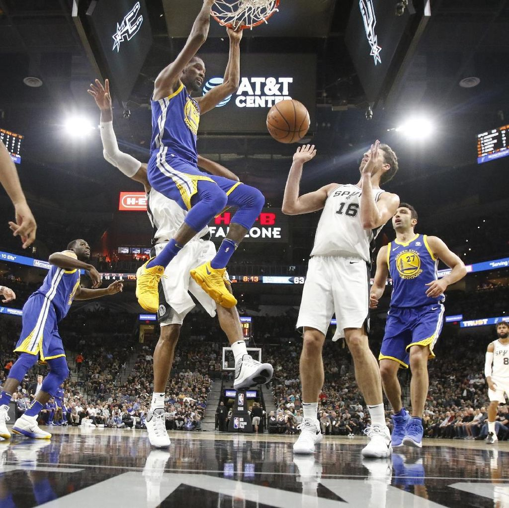 Warriors Benamkan Spurs 112-92