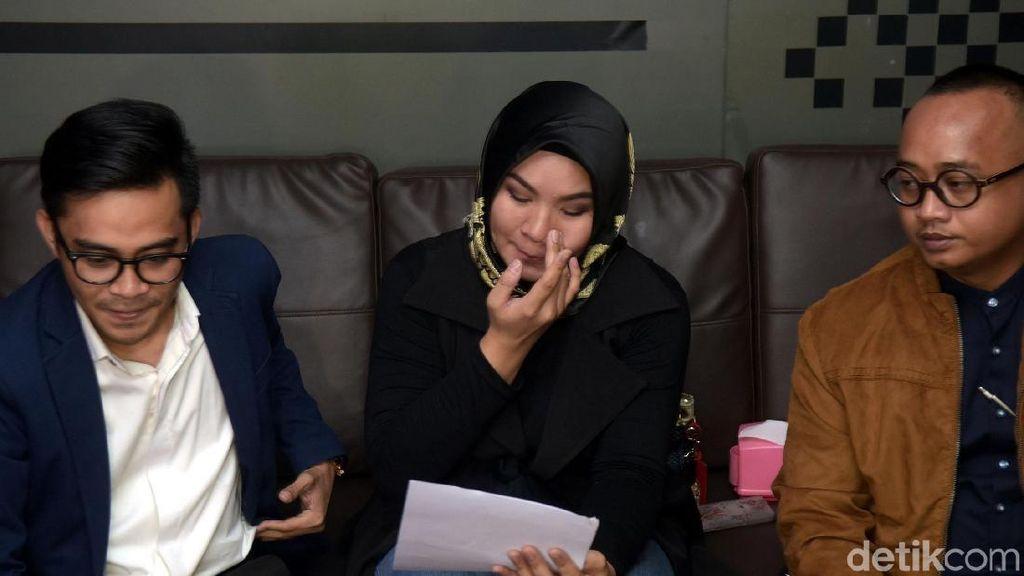 Keputusan Cerai dengan Aldi Taher Didukung Keluarga, Georgia Menangis