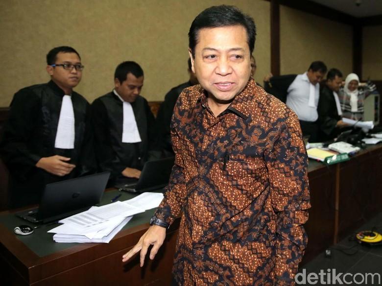 Novanto Istana Jangan Sampai Ketua - Jakarta Ketua DPR Setya Novanto saat KPK mendatangi kediamannya di Istana Wakil Presiden mengingatkan jangan sampai pimpinan lembaga