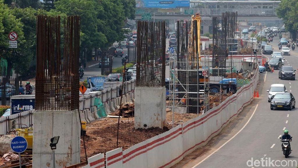 Foto : Melihat Progress Pembangunan LRT Kuningan Dukuh Atas