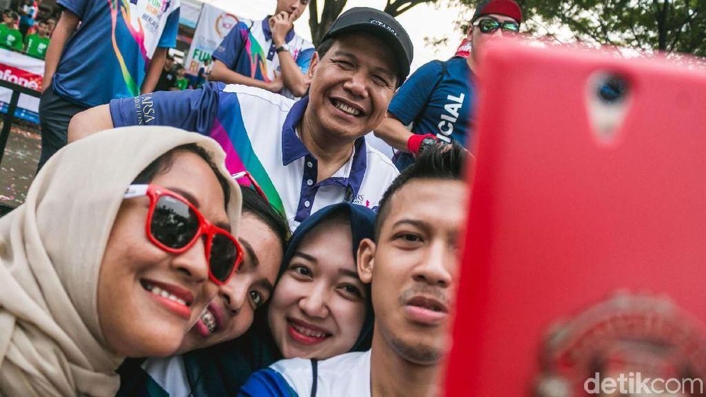 Berebut Selfie dengan CT saat Lomba Lari