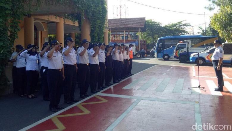 Pemkot Solo Imbau Tamu Pernikahan - Solo Dinas Perhubungan Pemerintah Kota Surakarta mengimbau tamu pernikahan Kahiyang Ayu dan Bobby Nasution tidak menggunakan taksi Surat