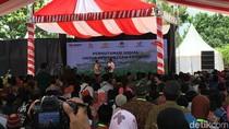 Saat Jokowi Bimbing Kakek Usia 83 Tahun Lafalkan Pancasila