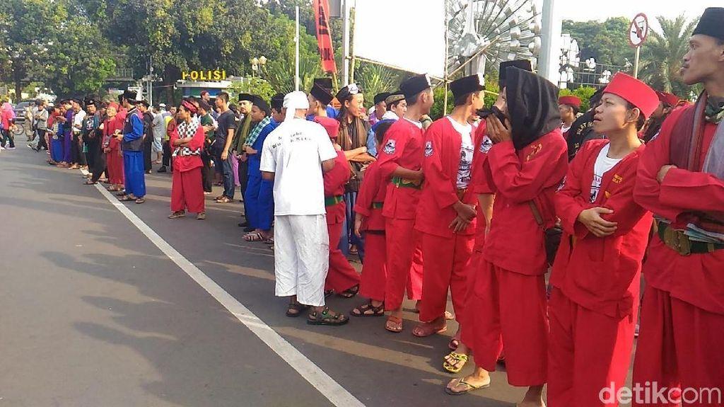 Brigade Jawara Betawi Rayakan Setahun Aksi 411 di Kawasan Monas