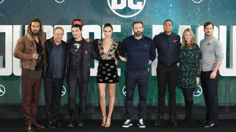 Justice League Jadi Film Penghasilan Tertinggi Bagi DC di China