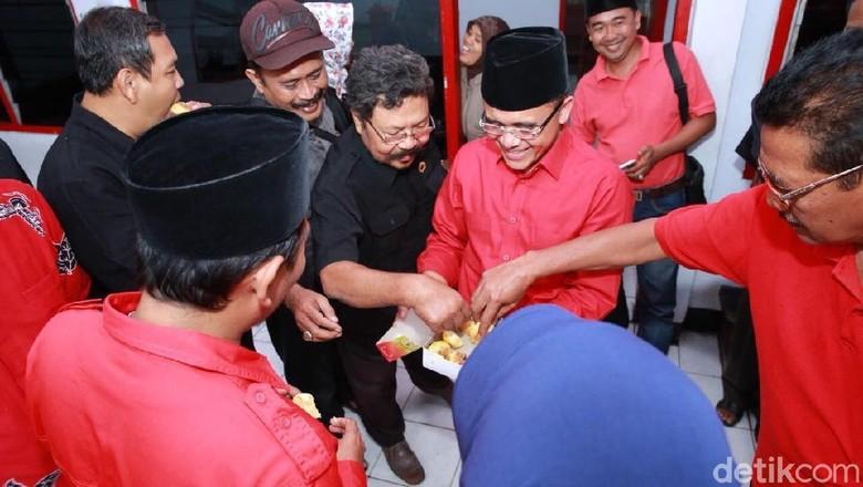 Anas Pia Glenmore Saat Ini - Jember Calon Wakil Gubernur Jawa Timur Abdullah Azwar Anas memanfaatkan waktu libur akhir pekan untuk melakukan konsolidasi Kali