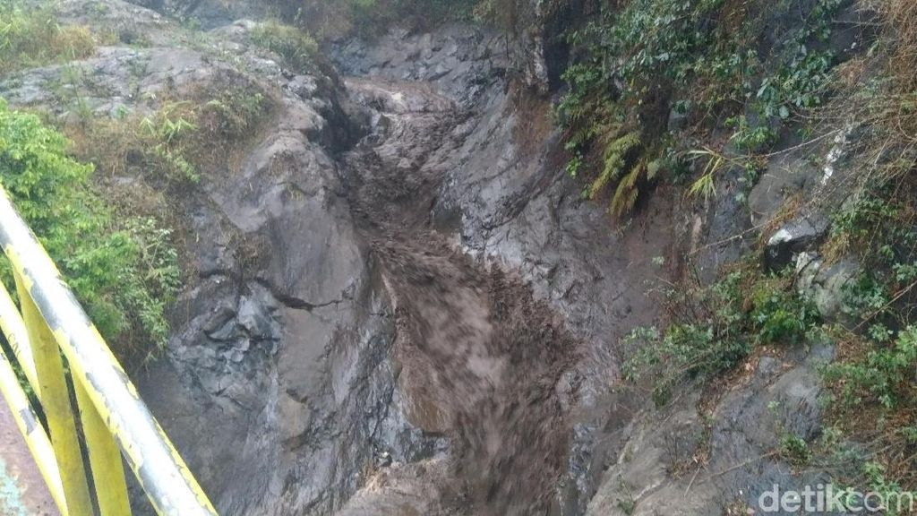 Tim SAR Masih Cari 1 Wisatawan Korban Banjir Bandang di Sukapura