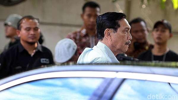 Bertemu Relawan Jokowi, Luhut Bicara Pembangunan Nasional