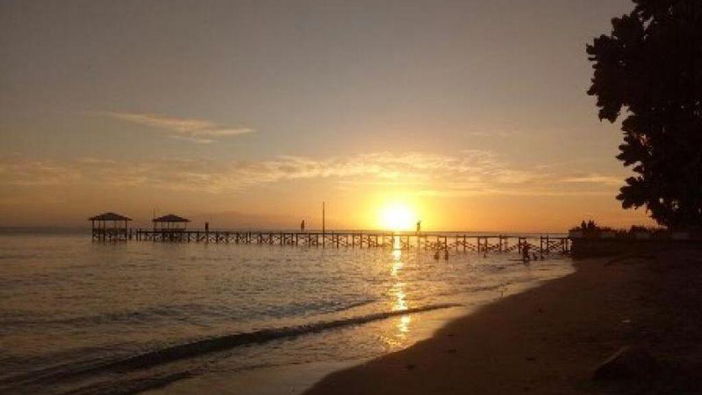 Pantai Pasir Putih Lasusua yang Jarang Orang Tahu