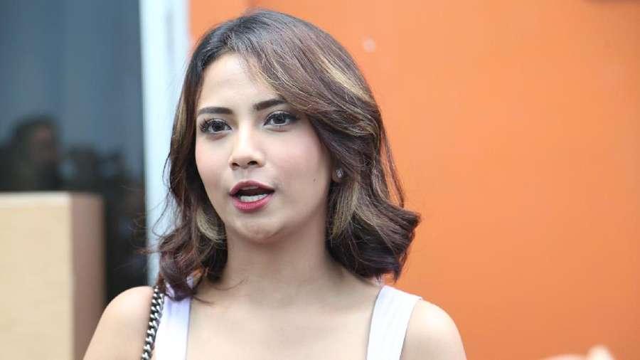 Dicap Tak Baik oleh Rachmawati, Vanessa Angel Santai