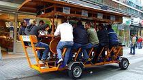 Beer Bike Amsterdam Dilarang Beroperasi, Setuju Tidak?