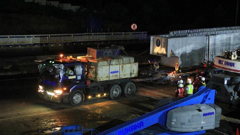 Jasa Marga Mulai Pasang Rangka Beton Tol Jakarta-Cikampek Layang