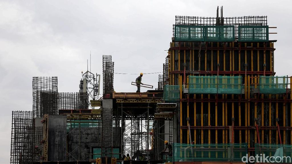 Tugas Berat Jokowi Bangun Infrastruktur yang Merata